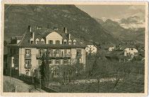 Albergo - Pensione e Ristorante GUNCINA (später FLORA) in Gries. Gelatinesilberabzug 9x14cm; Impressum: Ed. Stab. Fot. Lor(enz). Fränzl, Bolzano um 1925.  Inv.-Nr.  vu914gs00569