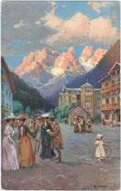 """Hotelkolonie im Höhlensteintal / Landro, Gemeinde Toblach  (1407 m.) mit Cristallin (2786 m)"""". Farbautoypie 9x14cm. Entwurf: R(udolf). A(lfred). HÖGER (1877 – 1930) um1910.  Inv.-Nr. vu914fat00021"""