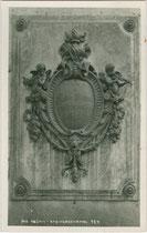 Denkmal für den Geigenbauer Jakob Stainer (1619-1683) in Absam, Gbz. Hall in Tirol, Bzk. Innsbruck-Land, Gefürst. Grafsch. Tirol. Gelatinesilberabzug 9 x 14 cm; Impressum: A(lfred). Stockhammer, Hall in Tirol vermutlich 1913.  Inv.-Nr. vu914gs00751