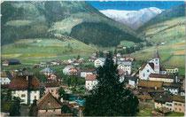 Zentrum von Sarnthein, Gemeinde Sarntal. Photochromdruck 9x14cm; Joh(ann). F(ilibert). Amonn, Bozen; postalisch gelaufen 1911.  Inv.-Nr. vu914pcd00224