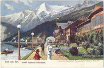 """Seepromenade, Bootssteg und im Bäderstil errichtetes Hotel """"Kaiserin Elisabeth"""" (eröffnet 1879, geschleift 1915) in Zell am See, ehem. Herzogtum (heute Bundesland) Salzburg. Farbautotypie 9 x 14 cm (Entwurf: C. Benesch um 1900).  Inv.-Nr. vu914fat00150"""