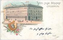 """Hotel """"Stadt München"""", Landhausstraße (heute Meraner Straße) 7, heute Geschäftshaus in Innsbruck, Innere Stadt. Chromolithographie 9 x 14 cm; Impressum: Karl Redlich, Innsbruck um 1895.  Inv.-Nr. vu914clg00017"""