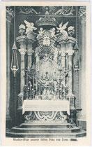 Gnadenaltar in der Wallfahrtskirche U.L.F. in Trens. Lichtdruck 9 x 14 cm; Impressum: Aufnahme und Verlag Peter Hasler, Freienfeld um 1910.  Inv.-Nr. vu914ld00120