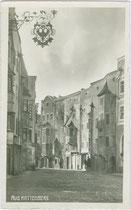 Südtiroler Straße in Rattenberg, Bezirk Kufstein, Tirol von Osten. Gelatinesilberabzug 9 x 14 cm ohne Impressum, um 1930.  Inv.-Nr. vu914gs00552
