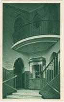Empfangshalle des Stadtischen Dampfbades in der Salurner Straße. Rastertiefdruck 9x14cm; Dr. Defner, Igls um 1930.  Inv.-Nr. vu914rtd00012