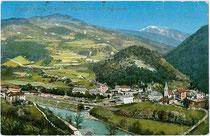 Waidbruck am Eisack von Südwesten. Photochromdruck 9x14cm; Aufnahme und Verlag Eng(elbert). Senoner - Kaufmann, Weinhandlung und Spediteur, Waidbruck 1910.  Inv.-Nr. vu914pcd00225