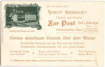 """Simon Strasser's Gasthof """"zur Post"""" in Zell am Ziller. Illustrierte Empfehlungskarte, Lichtdruck 9 x 14 cm; Impressum: L(orenz). Fränzl & Co., München um 1900. Inv.-Nr. vu914ld00053"""