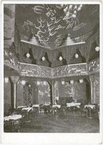 """Tanzparkett und Empore vom Kabarett """"Odeon-Kasino - Palais de Danse"""" im Gebäude des Hotel """"Stadt München"""", Erlerstraße 17-19. Autotypie 10 x 15 cm, WUB (Wagner'sche Universitätsbuchdruckerei) um 1930 ohne Impressum,  Inv.-Nr. vu105at00002"""