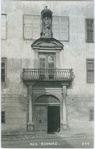 Portal vom Palais ENZENBERG (heute Stadtgalerie) in Schwaz, Franz-Joseph-Straße 27. Gelatinesilberabzug 9 x 14 cm; A(lfred). Stockhammer, Hall i.T. 1909.  Inv.-Nr. vu914gs00455