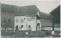 Gotisches Beinhaus am Friedhof von Stegen, Stadtgemeinde Bruneck. Gelatinesilberabzug 9 x 14 cm; Impressum: A(lfred). Stockhammer, Hall in Tirol 1910.  Inv.-Nr. vu914gs00232