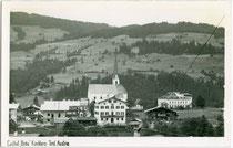 "Gasthof ""zum Bräu"" an der Brixentalstraße (heute Landesstraße B 170) in Kirchberg, Bezirk Kitzbühel, Tirol. Gelatinesilberabzug 9 x 14 cm ohne Impressum, um 1940. Inv.-Nr. vu914gs01032"