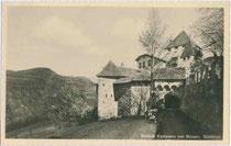 Burgtor von KAMPENN in der gleichnamigen ehemaligen Malgrei. Gelatinesilberabzug 9x14cm; Joh(ann). F(ilibert). Amonn, Bozen um 1910.  Inv.-Nr. vu914gs00167