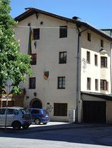 Verbindungshaus der Innsbrucker Akademischen Burschenschaft Brixia in St. Nikolaus, Stadtgemeinde Innsbruck, Innstraße 18. Digitalphoto; © Johann G. Mairhofer 2013.  Inv.-Nr. 1DSC06848