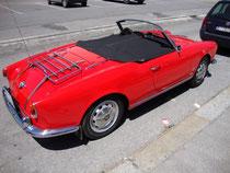 Heck- und Beifahrerseitenansicht vom Alfa Romeo Giulietta Spider (Karosserieentwurf: Carozzeria Pininfarina S.p.A., Torino; Produktionszeitraum: 1955 – 1962). Digitalphoto; © Johann G. Mairhofer 2014.  Inv.-Nr.  1DSC09642