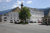 Kloster der Tertiarschwestern des Hl. Franziskus am Unteren Stadtplatz 14 in Hall. Digitalphoto; (c) Johann G. Mairhofer 2013.  Inv.-Nr. DSC07318