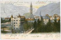 """Kamposch's Hotel """"Walther von der Vogelweide"""" (rechts) und Dependance (links) an der Bahnhofsallee in Bozen. Photochromdruck 9 x 14 cm; Impressum: B. Lehrburger, Nürnberg; postalisch befördert 1905.  Inv.-Nr. vu914pcd00069"""