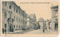 Universität, Akademisches) Gymnasium, Hofkirche (v.l.n.r.). in Innsbruck, Universitätsstraße. Lichtdruck 9 x 14 cm. Impressum: Leo Stainer, Innsbruck. Inv.-Nr. vu914ld00024