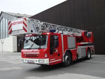 DLK 23-12 NB (Drehleiter 30m) Magirus der Freiwilligen Feuerwehr Hötting, Stadtgemeinde Innsbruck. Digitalphoto; © Johann G. Mairhofer 2014.  Inv.-Nr. 2DSC00971