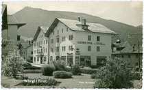 Gasthof ZUR ROSE in der Bahnhofstraße in Wörgl. Gelatinesilberabzug 9x14cm; Foto Bollmann, Wörgl um 1955.  Inv.-Nr. vu914gs00035