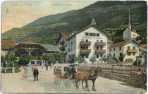 Postgasthof ZUM KASSL in Ötz, Bezirk Imst, Tirol im Bauzustand vor dem Umbau zum Hotel im Heimatstil, um 1907. Photochromdruck 9x14cm; Gebr. Metz, Tübingen. Inv.Nr.vu914pcd00107