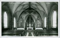 Inneres der Kirche vom JOSEFINUM in Volders, Bezirk Innsbruck-Land, Tirol. Gelatinesilberabzug 9 x 14 cm; Impressum: A(lfred). Stockhammer, Hall in Tirol um 1925.  Inv.-Nr. vu914gs00677