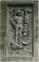 Grabplatte für Wilhelm III. von Henneberg-Schleusingen (1434-1480), bei Rückkehr als Rompilger in Salurn verstorben. Gelatinesilberabzug 9 x 14 cm; Impressum: Alfred Stockhammer, Hall/Tirol 1910.  Inv.-Nr.  vu914gs01133