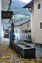 Brunnentrog im Zentrum von St. Martin in Passeier im Burggrafenamt, Südtirol. Digitalphoto; © Johann G. Mairhofer 2016.  Inv.-Nr. 2DSC05473