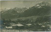 Mieders im Stubaital von Osten mit den Kalkkögeln (Bildmitte) und der Serles (rechts). Gelatinesilberabzug 9 x 14 cm ohne Impressum um 1920.  Inv.-Nr. vu914gs01025