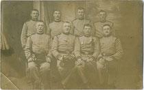 Hälftefeier der 2. Kompanie 3. Regiment k.u.k. Tiroler Kaiserjäger der Dienstjahre 1907 - 1910 in Riva (am Gardasee) 1909. Gelatinesilberabzug 9 x 14 cm ohne Impressum.  Inv.-Nr. vu914gs00645