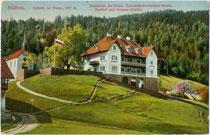 """Gasthof und Pension """"Staffler"""" (heute """"Kohlern"""") und Kapelle in Kohlern, ehem. Gemeinde Zwölfmalgreien (heute Stadt Bozen). Kombinationsfarbdruck 9 x 14 cm; Impressum: Lorenz Fränzl, Bozen um 1910.  Inv.-Nr. .vu914kfd00037"""