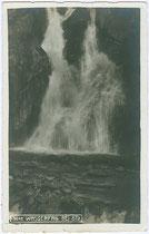 Der Nederbach, auch Stuibenbach beim Stuibenfall in der Auerklamm, Gemeinde Ötz am Eingang zum Ötztal, Bezirk Imst, Tirol. Gelatinesilberabzug 9 x 14 cm ohne Impressum um 1925.  Inv.-Nr. vu914gs00667