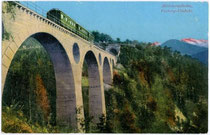 Das VORBERGVIADUKT der Mittenwaldbahn, Gemeinde Zirl. Photochromdruck 9x14cm; Wilhelm Stempfle, Innsbruck um 1913.  Inv.-Nr. vu914pcd00123