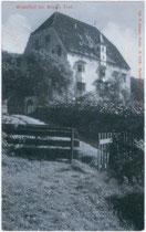 Ansitz KARLSBURG in Milland, Stadt Brixen am Eisack. Lichtdruck 9x14cm; Joh(ann). F(ilibert). Amonn, Bozen um 1910.  Inv.-Nr. vu914ld00062