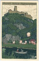 """Ruderpartie auf der Etsch bei der Burg Sigmundskron in Frangart, Gemeinde Eppan. Chromolithographie 9 x 14 cm; Künstlersignatur """"Pg"""", Verlag J(osef). Gugler, Bozen um 1905.  Inv.-Nr. vu914clg00007"""