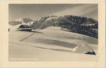 """Wörgler Skihütte (jetzt Berggasthof """"Rübezahl"""") der Wintersportvereinigung Wörgl, gegr. 1908, heute SC Lattella Wörgl auf dem Markbachjoch, Gde. Wildschönau. Gelatinesilberabzug 9 x 14 cm; Atelier Haselberger, Wörgl um 1935.  Inv.-Nr. vu914gs01243"""