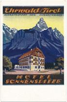 """Denkmalgeschütztes Hotel """"Sonnenspitze"""" in Ehrwald, Bezirk Reutte, Tirol; im Jahr 1914 mit Elementen des Heimatstils errichtet worden. Farbautotypie 9 x 14 cm nach einem Entwurf eines anonymen Graphikers wohl von 1914.  Inv.-Nr. vu914fat00145"""
