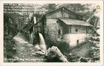 Die nach einer Sage benannte TEUFELSMÜHLE in Rinn am östlichen Mittelgebirge, Bezirk Innsbruck-Land, Tirol. Gelatinesilberabzug 9 x 14 cm; ohne Impressum um 1930. Inv.-Nr.