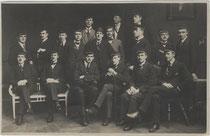 "Akademische Burschenschaft ""Brixia"" zu Innsbruck im Wintersemester 1919/20. Gelatinesilberabzug 10 x 15 cm ohne Impressum.  Inv.-Nr. vu914gs00813"