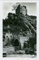 Burg LANDECK und Tunnel der Reschenstraße (ursprüngl. für die projektierte Eisenbahnlinie Landeck - Mals im Vinschgau vorgesehen). Gelatinesilberabzug 9x14cm; Risch-Lau, Bregenz; postalisch gelaufen 1938.  Inv.-Nr. vu914gs00265