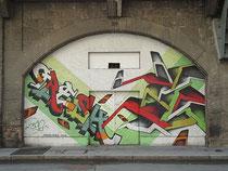 Graffiti an der Mauerwand vom Viaduktbogen 39 / Ing.-Etzel-Straße in Innsbruck, Innere Stadt. © Johann G. Mairhofer 2012.  Inv.-Nr. 1DSC04365