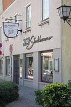Atelier und Geschäftslokal des 1868 gegründeten Photoateliers Stockhammer (Inhaber Michael Tratter) am Stadtgraben 16 in Hall. Digitalphoto; © Johann G. Mairhofer 2013.  Inv.-Nr. 1DSC07259