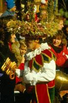 Telfer Schleicherlaufen 1990. © Johann G. Mairhofer 1990.  Inv.-Nr. DC-135-KD-5039.01_18