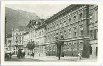 """Palais Fugger-Taxis (heute """"Taxispalais"""" mit gleichnamiger Kunstgalerie, vormals """"Alte Hauptpost""""), Maria-Theresien-Straße 45, Innsbruck. Rastertiefdruck 9 x 14 cm ohne Impressum, um 1910.  Inv.-Nr. vu914rtd00025"""