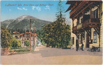 Rathaus mit K.k. Postamt in Igls rechts im Bild. Photochromdruck 9x14cm; Wilhelm Stempfle Innsbruck 1912.  Inv.-Nr. vu914pcd00047