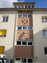 Stiegenhausfassade am Neutrakt vom Schülerheim des Tiroler Bauernbundes in Innsbruck-Pradl, Gabelsbergerstra0e 3 (ex Egerdachstraße 13). Digitalphoto; © Johann G. Mairhofer 2011.  Inv.-Nr. DSC02366