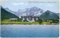 Hotel ALPENHOF in Pertisau am Achensee, Gemeinde Eben, Bezirk Schwaz, Tirol. Photochromdruck 9 x 14 cm; Impressum: Robert Warger, Innsbruck; postalisch gelaufen 1923.  Inv.-Nr. vu914pcd00132