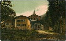 Bad Ratzes in Seis am Schlern. Farblichtdruck 9 x 14 cm; Impressum: Joh(ann). F(ilibert). Amonn, Bozen 1907.  Inv.-Nr. vu914fld00049