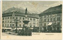 Margarethenplatz (benannt nach Margarethe von Tirol, heute Bozner Platz) in Innsbruck mit Photoatelier von Fritz Gratl im Haus Nr. 1 (rechts im Bild). Lichtddruck 9 x 14 cm ohne Impressum, postalisch gelaufen 1909.  Inv.-Nr. vu914ld000238