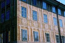 Ansitz LIEBENEGG in Wilten, Liebeneggstraße 2, Innsbruck; Fassade zur Leopoldstraße. Farbdiapositiv 24x36mm; © Johann G. Mairhofer 1998. Inv.-Nr. dc135fuRA679.1_25