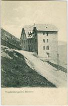Truppenübungsplatz auf dem Monte Bondone im Gemeindegebiet der Stadt Trento/Trient. Lichtdruck 9 x 14 cm; Impressum: A(lois). Kapper, Trient 1911.  Inv.-Nr. vu914ld00242
